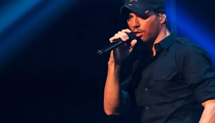 Enrique Iglesias is back after 7 years with his new album 'Final'